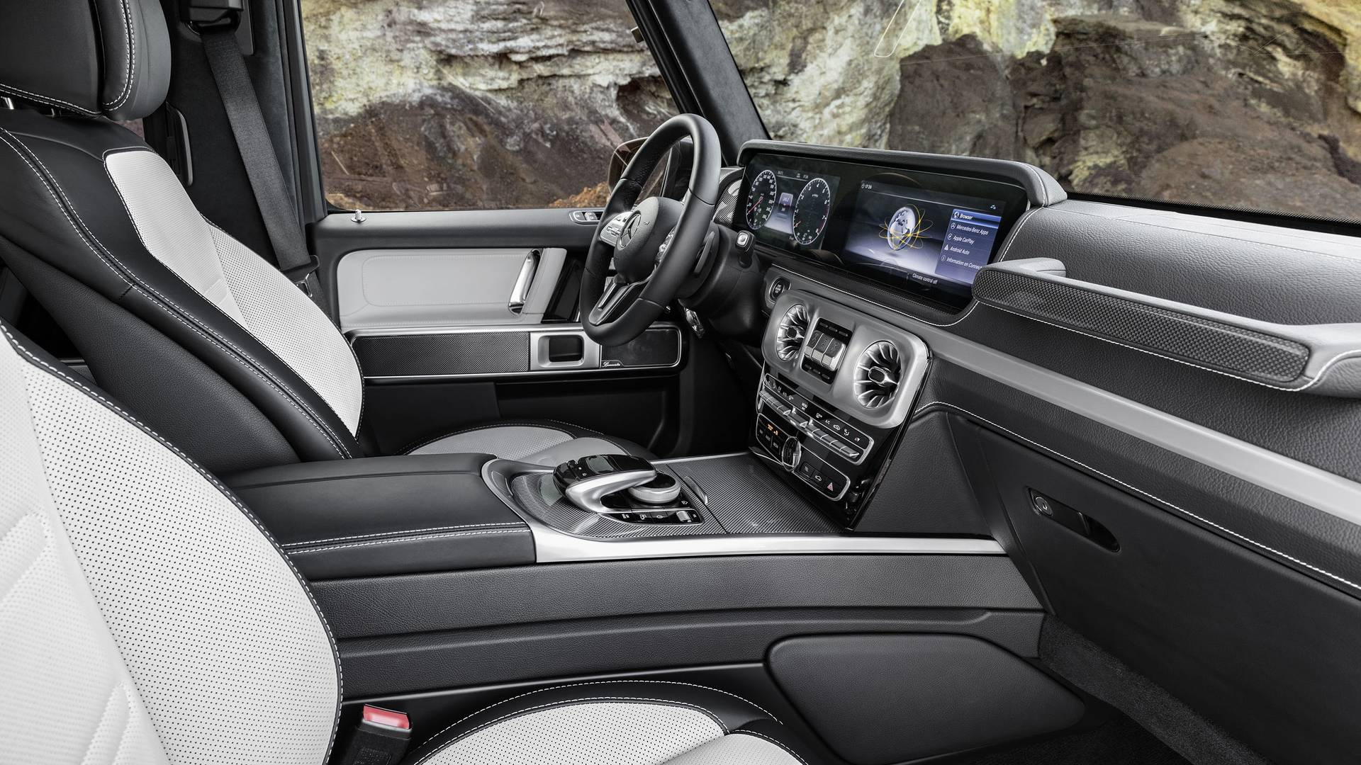 Название: 2019-mercedes-benz-g-class-interior.jpg Просмотров: 70  Размер: 362.8 Кб